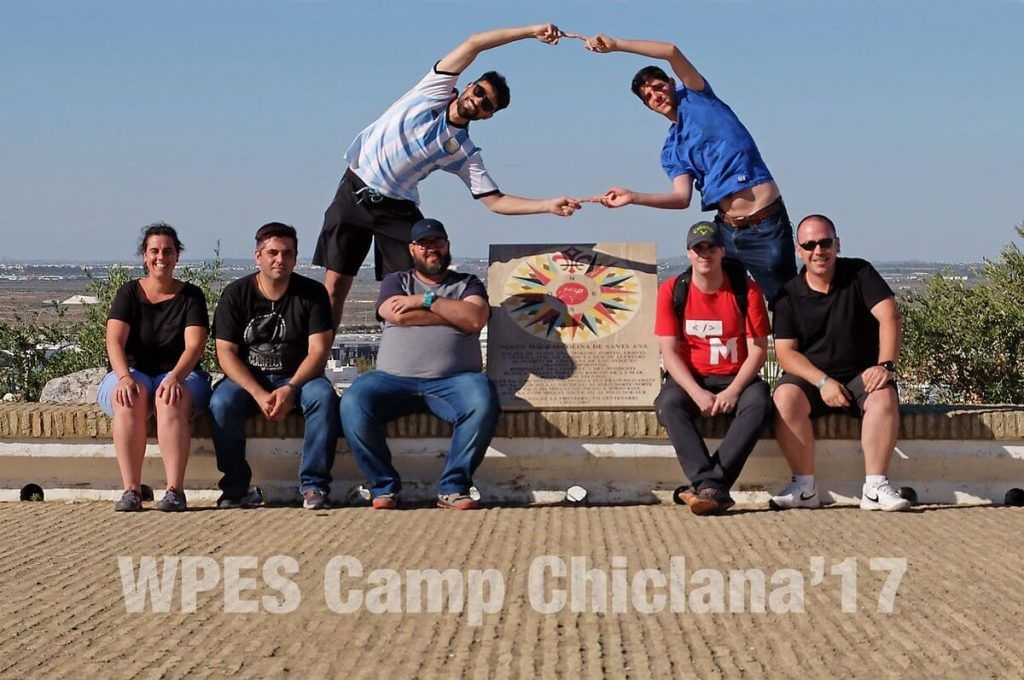 Grupo de participantes en la WPES Camp