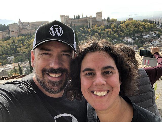 Pablo y Ana en WordCamp Granada 2018